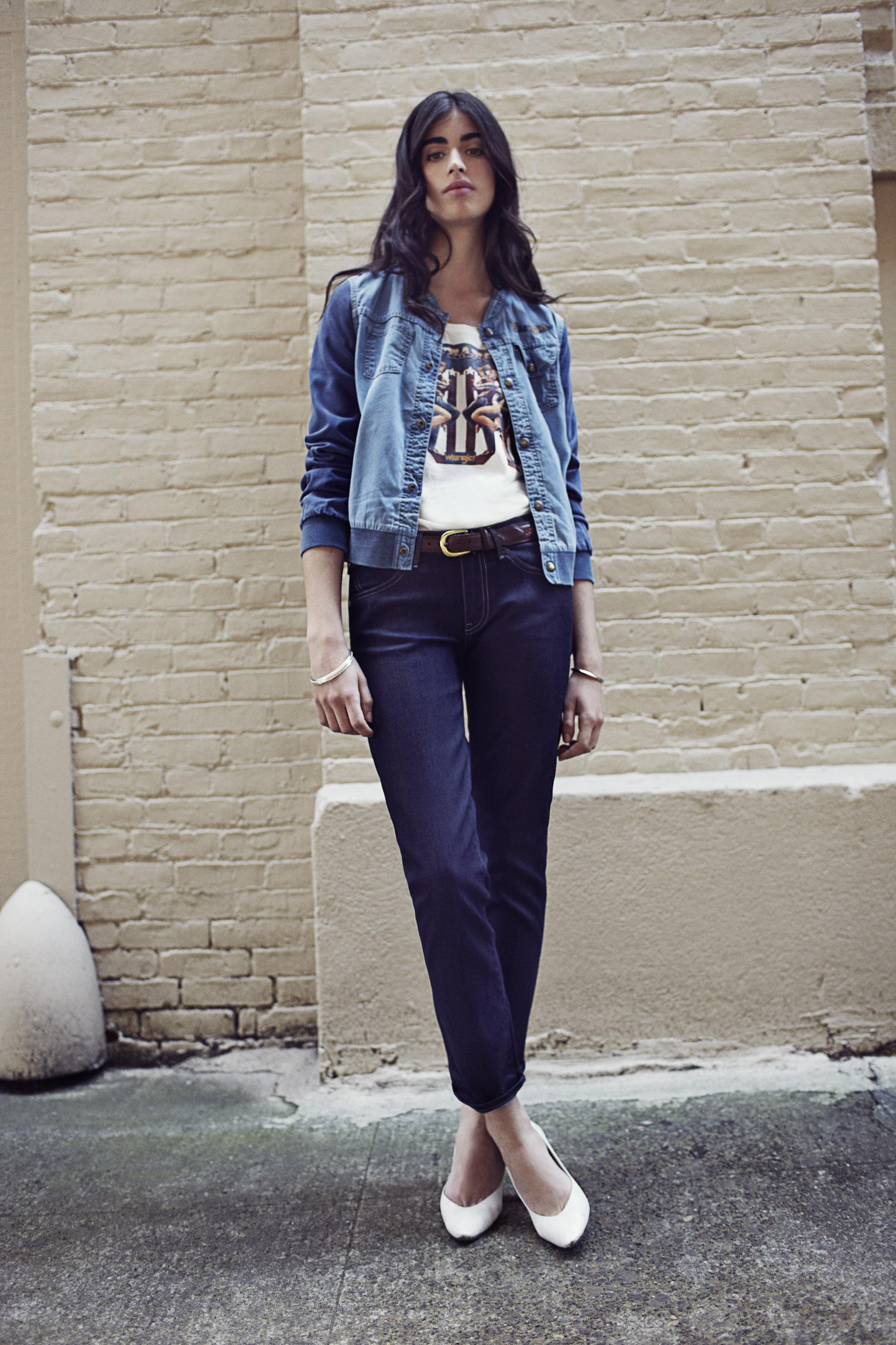 Сочетание джинсовки в деловом стиле