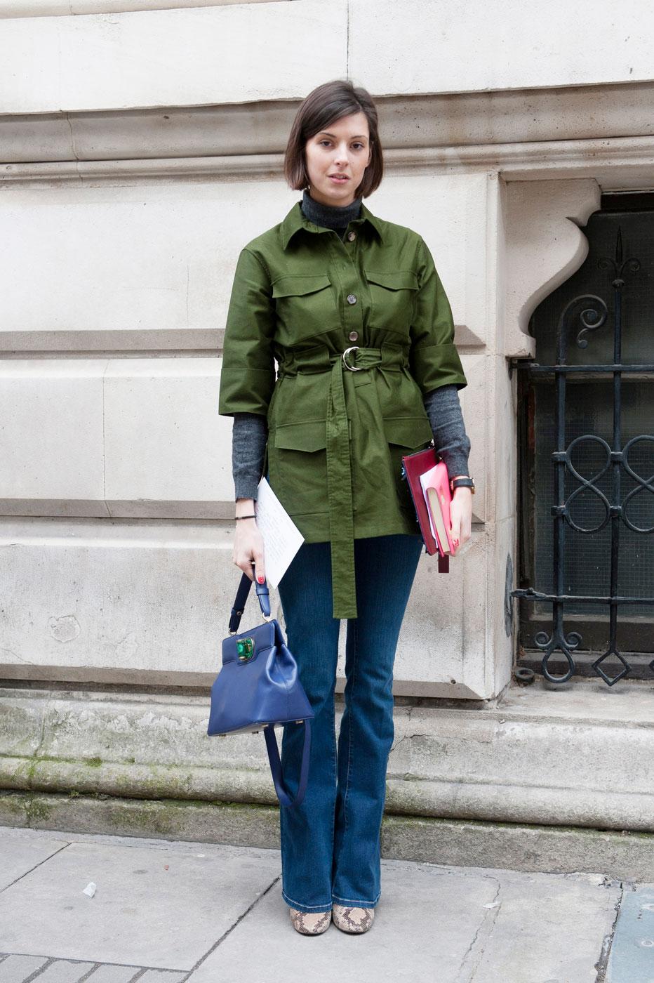 На фото: пиджак в стиле милитари.