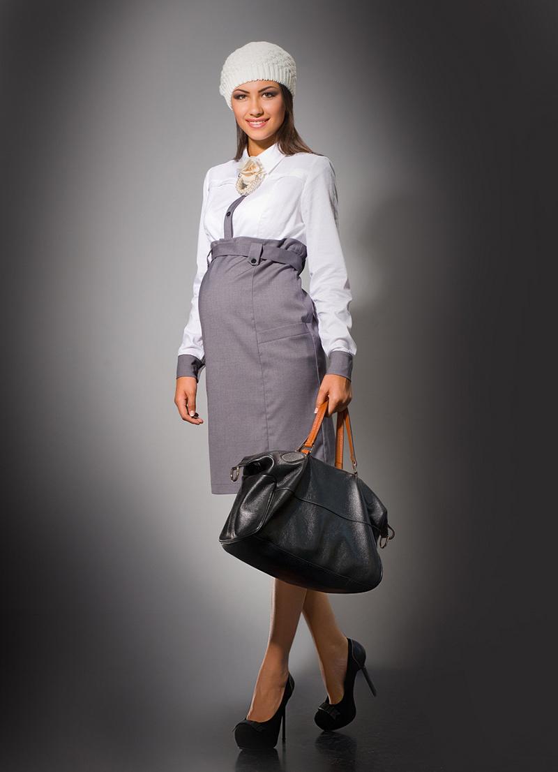 Наряд для беременной женщины в классическом стиле – прекрасный вариант для офиса