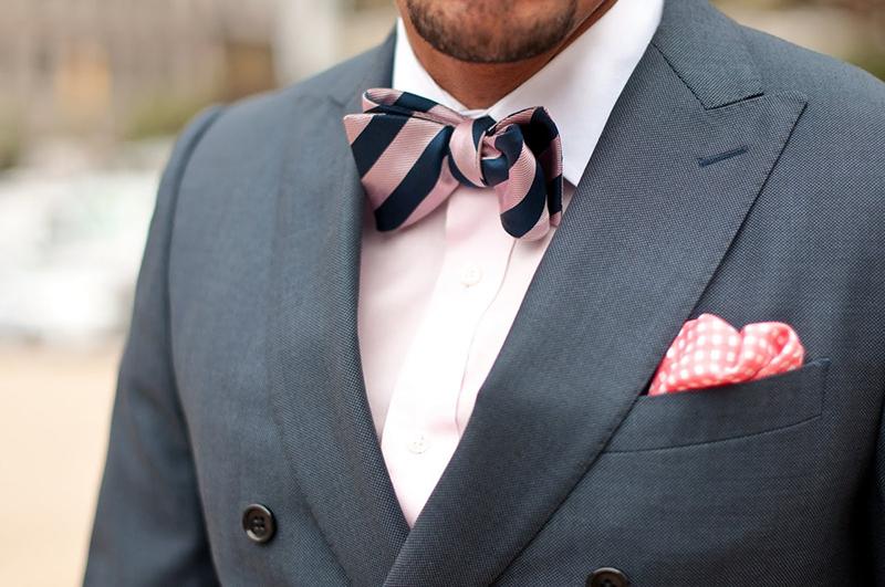 Фото: мужской галстук бабочка в полоску