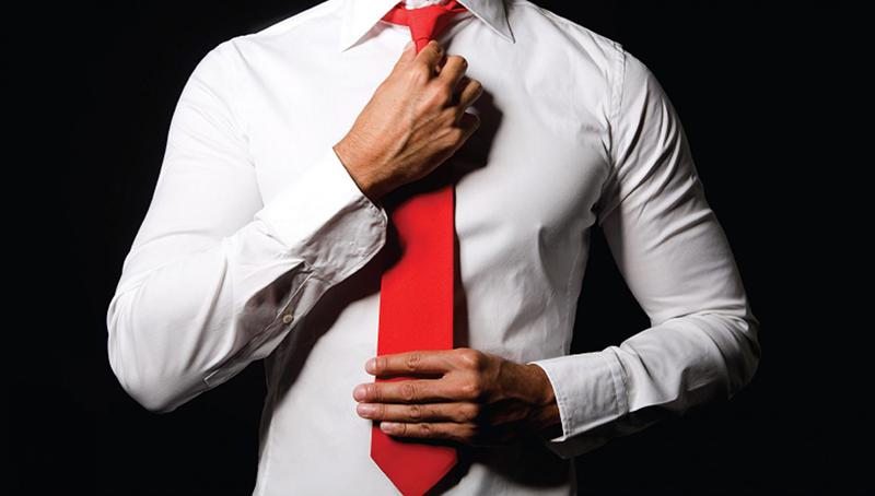 Фото: красный мужской галстук