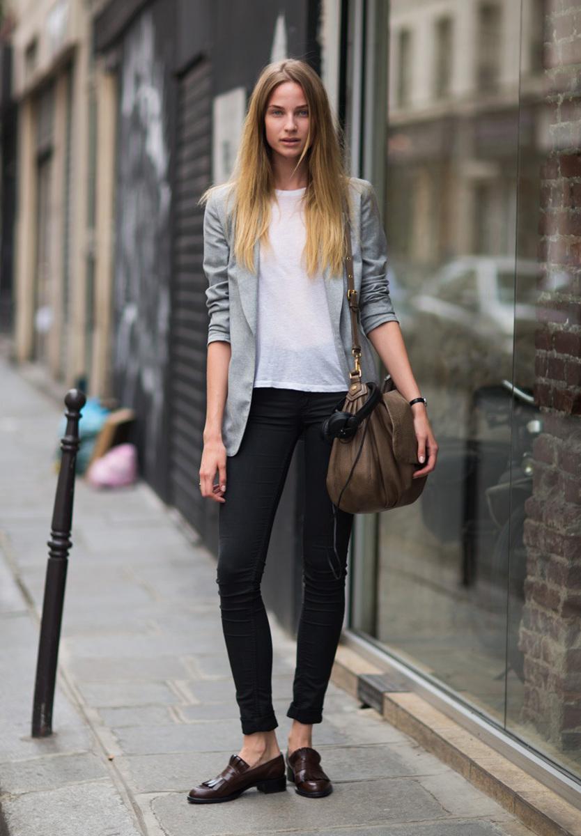 Лоферы с черными брюками – фото новинки сезона