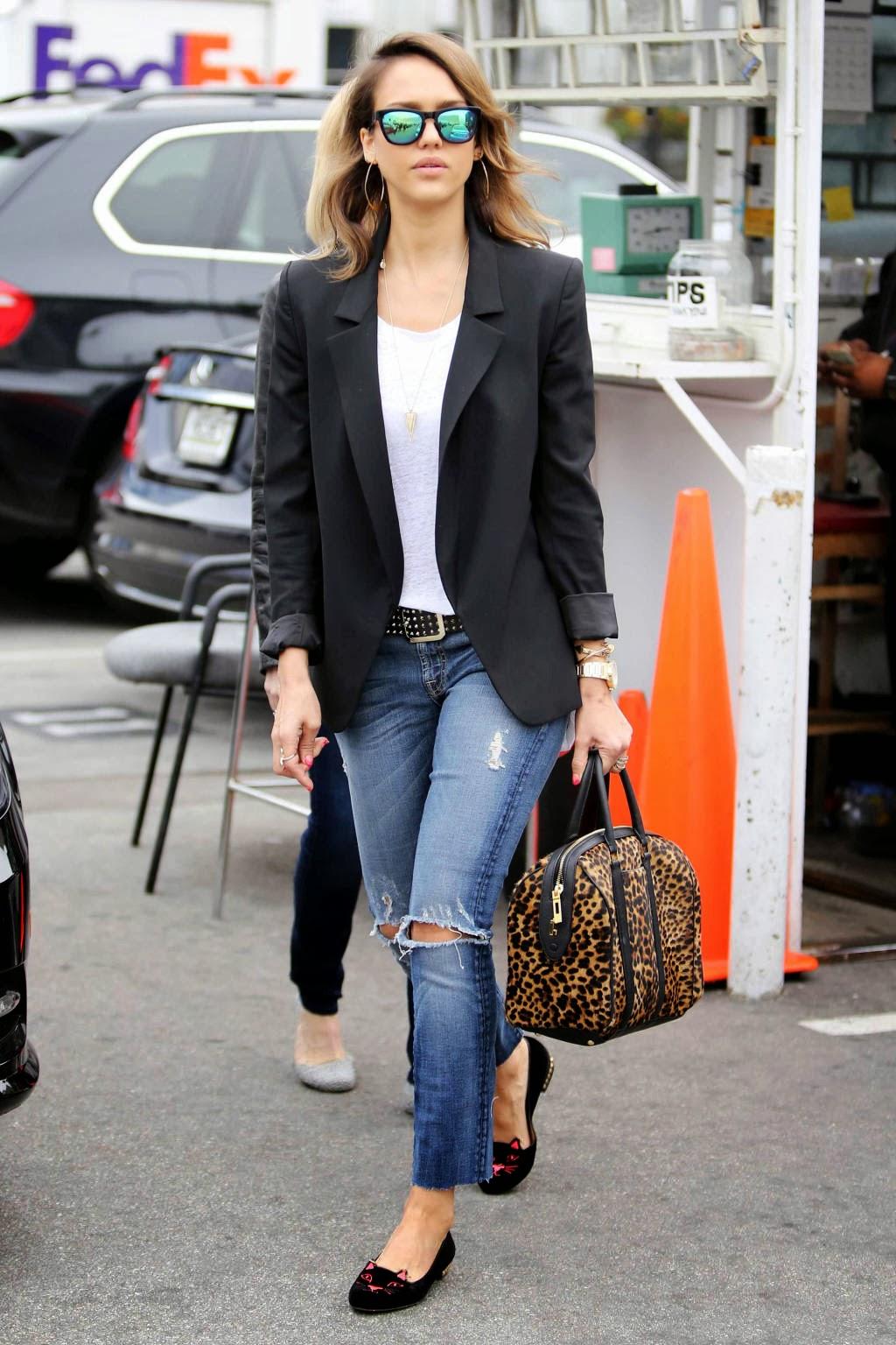 Туфли лоферы с джинсами – фото новинки