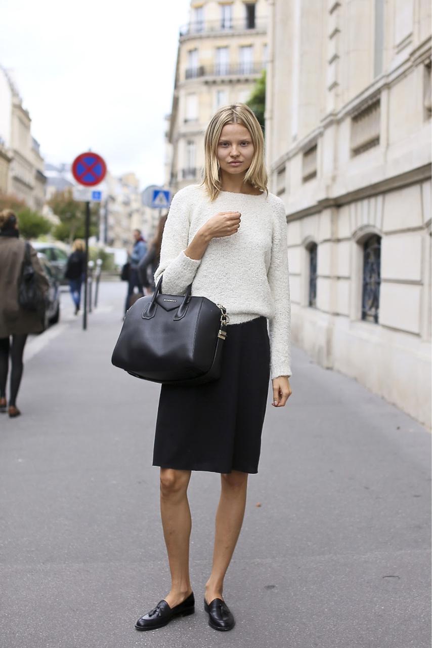 Лоферы с классической юбкой и свитером – фото новинка сезона