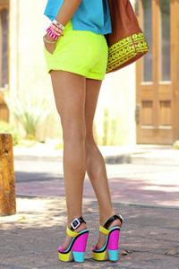 Неоновый цвет - модный тренд 2013
