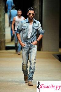 Не смотря на разнообразие мужской одежды, все же большинство мужчин предпочитали и предпочитают носить джинсы. Появившись в начале своей истории