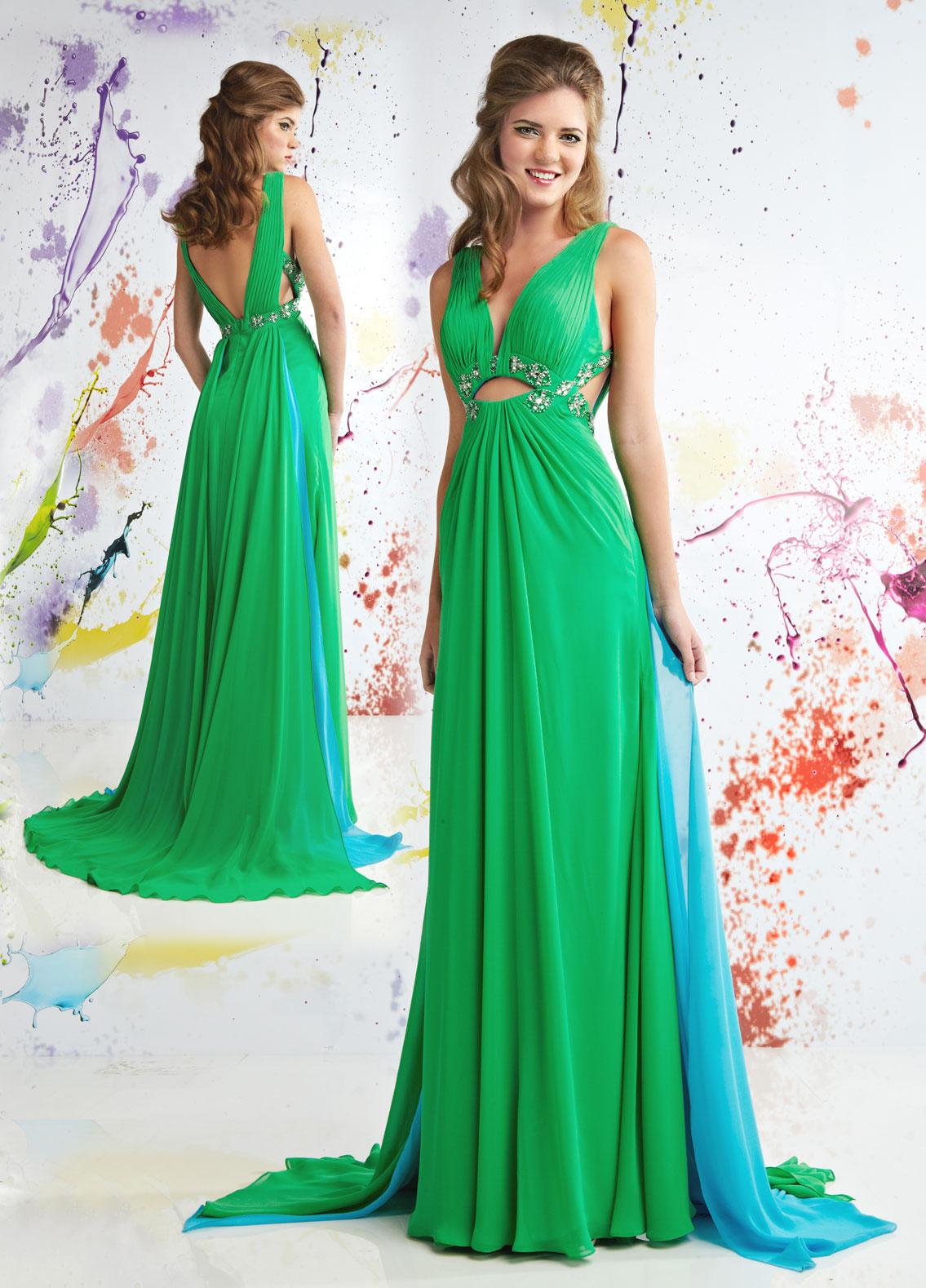 Зеленое длинное платье с открытой спиной – фото новинки сезона