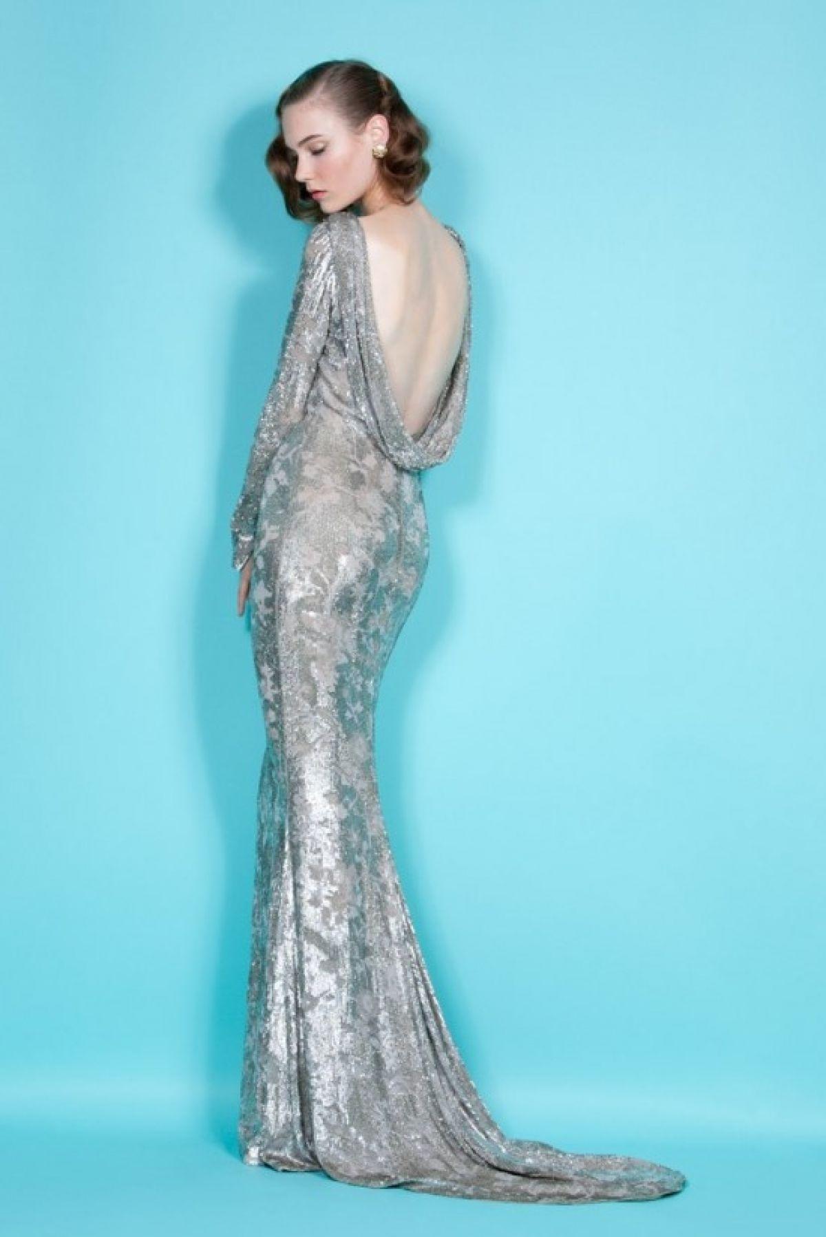 Фото новинки: длинное вечернее платье с открытой спиной