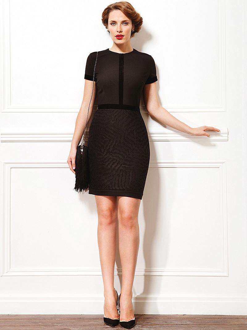 Черное платье футляр с коротким рукавом