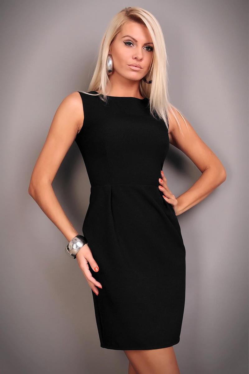 Фото: черное платье футляр без рукавов