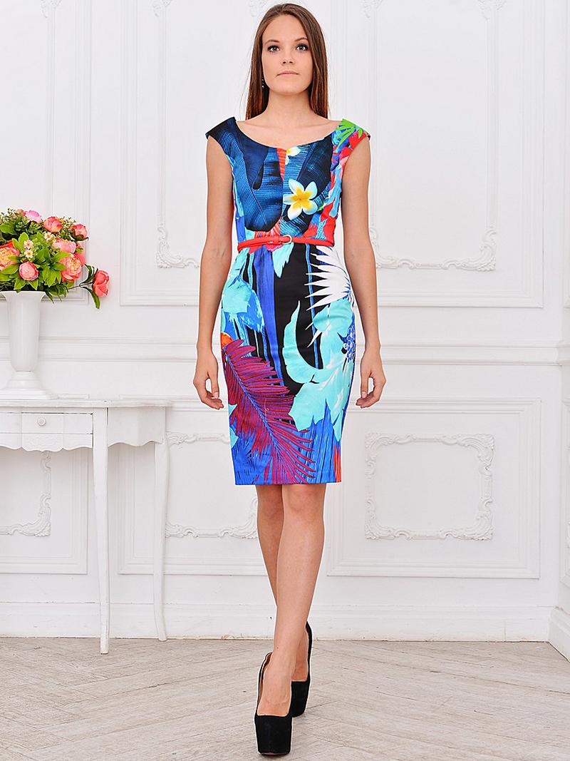 Фото: платье футляр с цветочным рисунком