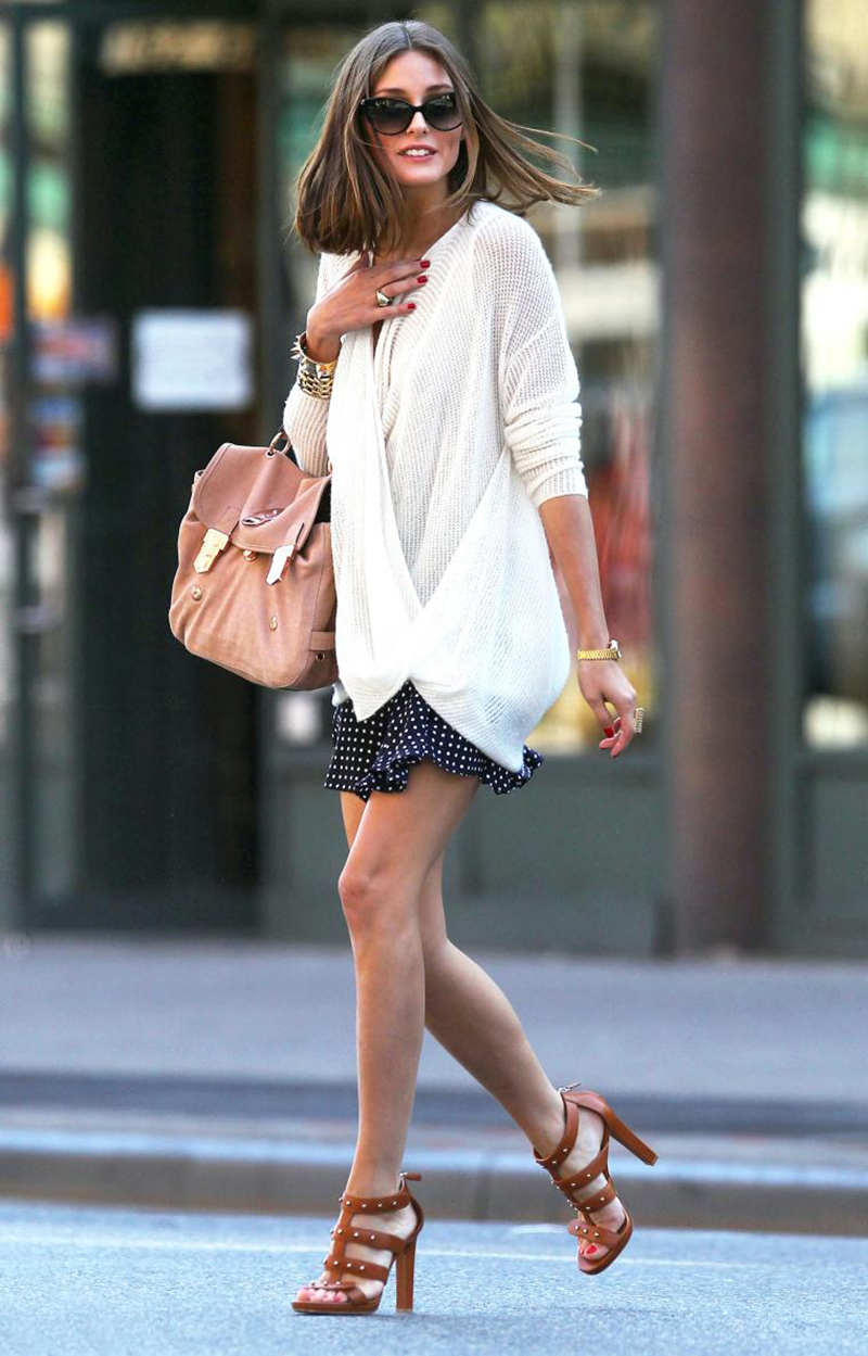 Модный кардиган с короткой юбкой – фото новинка сезона