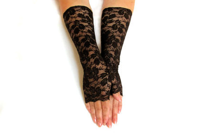 Кружевные митенки к вечернему наряду - перчатки без пальцев