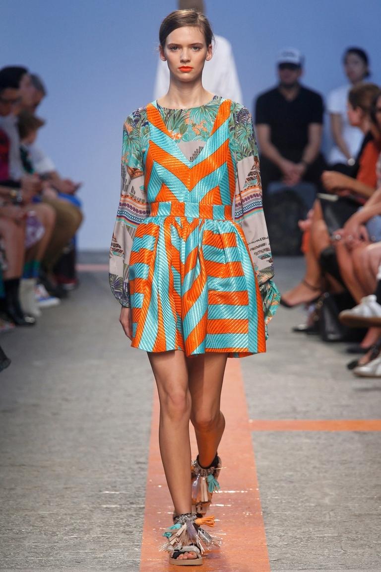 Модное платья в полоску - фото новинка в коллекции MSGM
