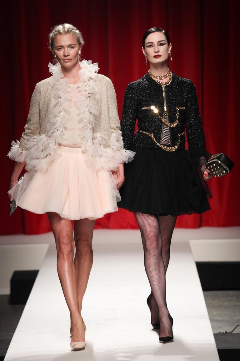 Фото — Юбка Moschino — пышная короткая юбка