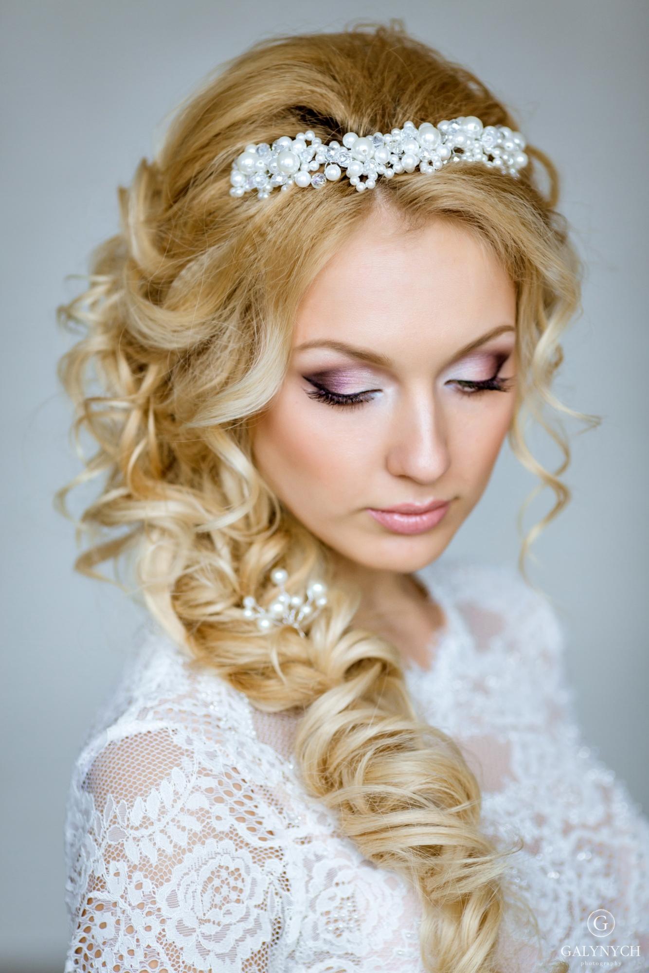 Свадебные прически косичками