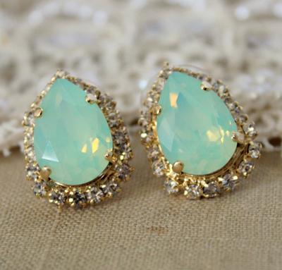 Модные украшения с крупными камнями