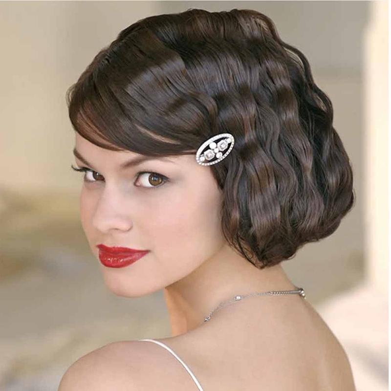 Романтичная прическа с короткими волосами