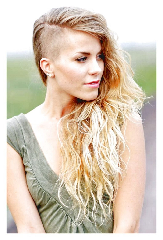 Стрижка на длинных волосах Sidecut