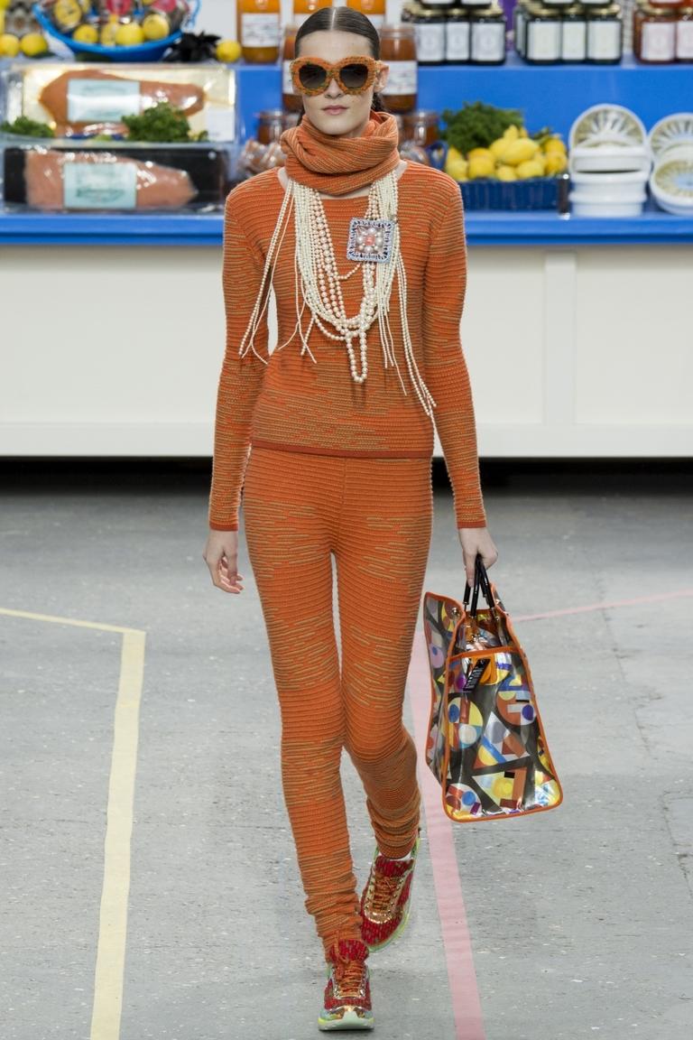 Модная оранжевая кофта 2015 от Chanel
