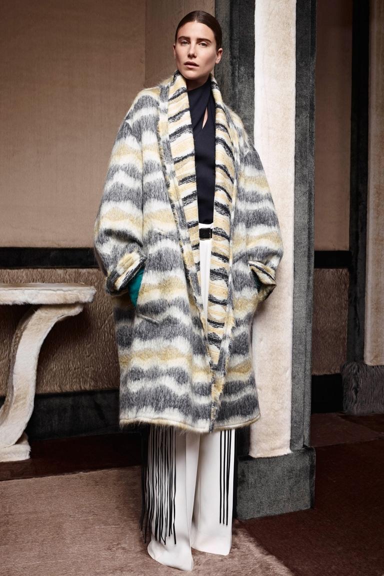 Объемное модное пальто с раскрасом под зебру – Agnona
