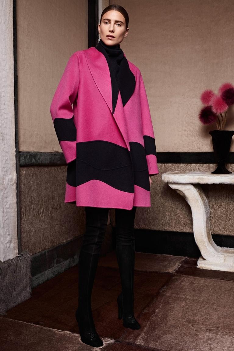 Розовое модное пальто – фото новинка от Agnona