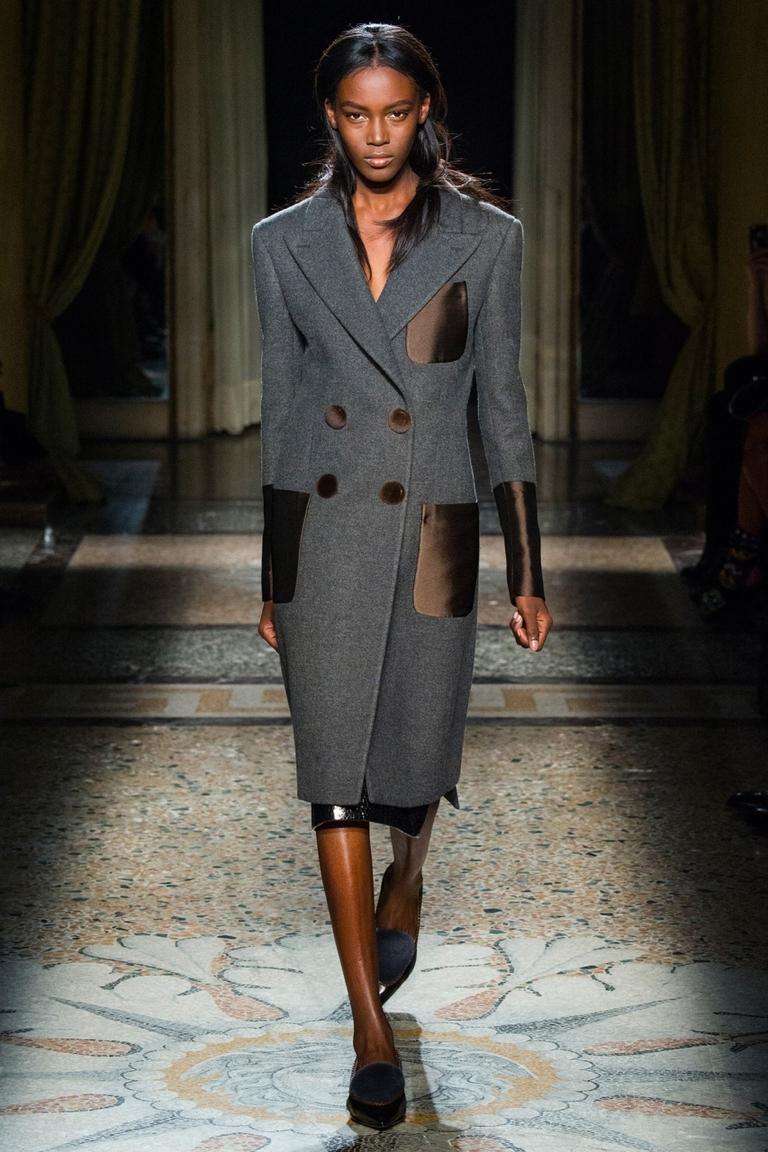 Модное серое пальто 2015 — фото новинка от Aquilano.Rimondi
