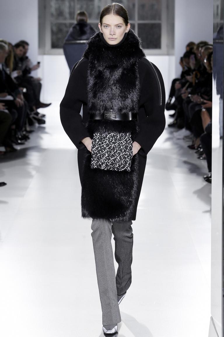 Модное пальто 2015 с мехом - фото новинка в коллекции Balenciaga