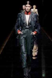 Удлиненная кожаная куртка в стиле милитари осень-зима 2014-2015 – Balmain