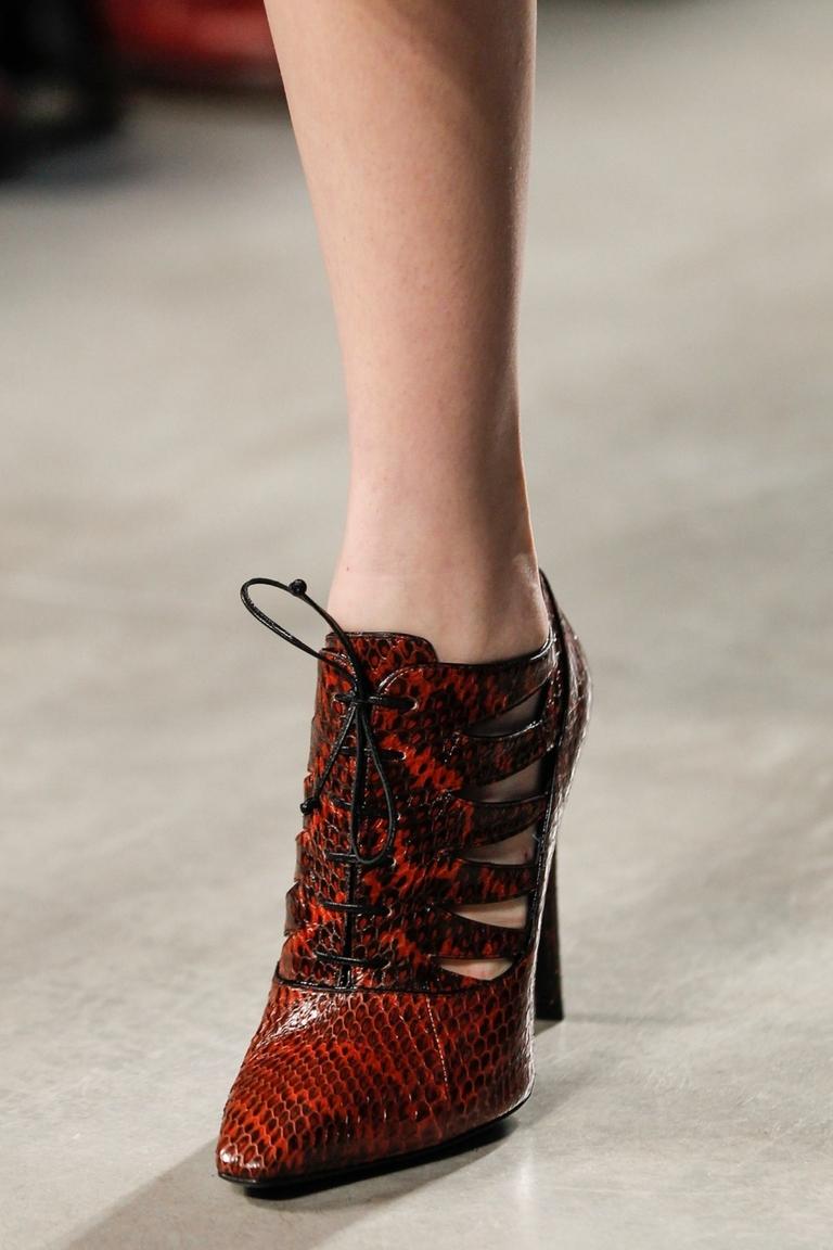 Модные туфли ботильоны 2015 – фото новинка в коллекции Bottega Veneta