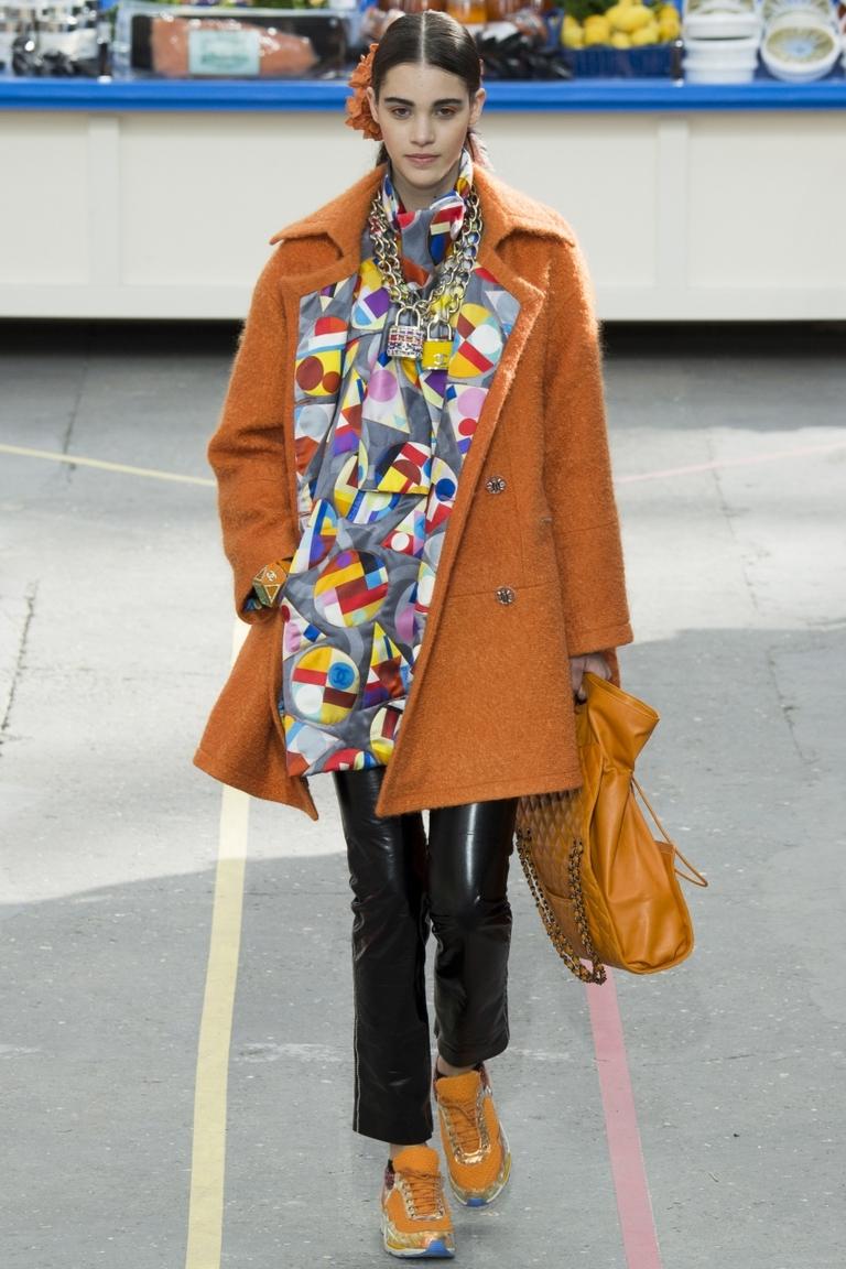 Модное рыжее пальто 2015 – фото новинка в коллекции Chanel