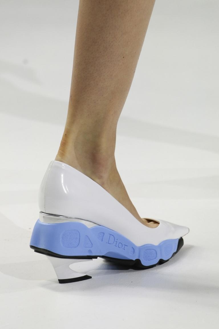 Новинка сезона: модные туфли 2015 – Christian Dior