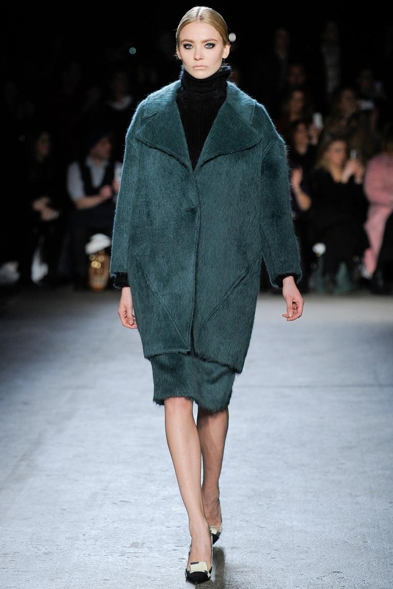 Объемное модное пальто 2015 – Christian Siriano