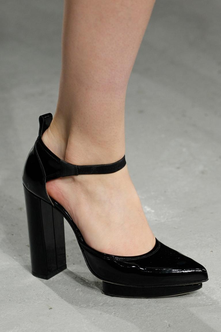 Модные туфли 2015 – Christopher Kane