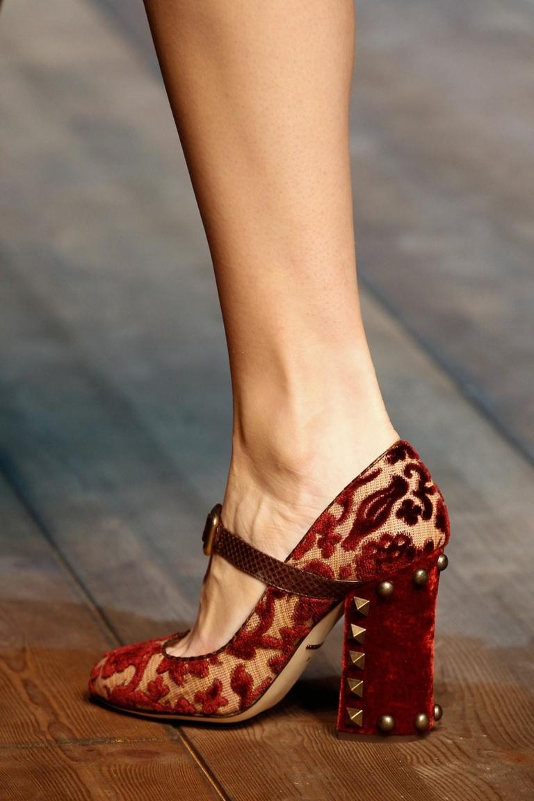 Модные туфли с большим каблуком 2015 – фото новинка от Dolce & Gabbana