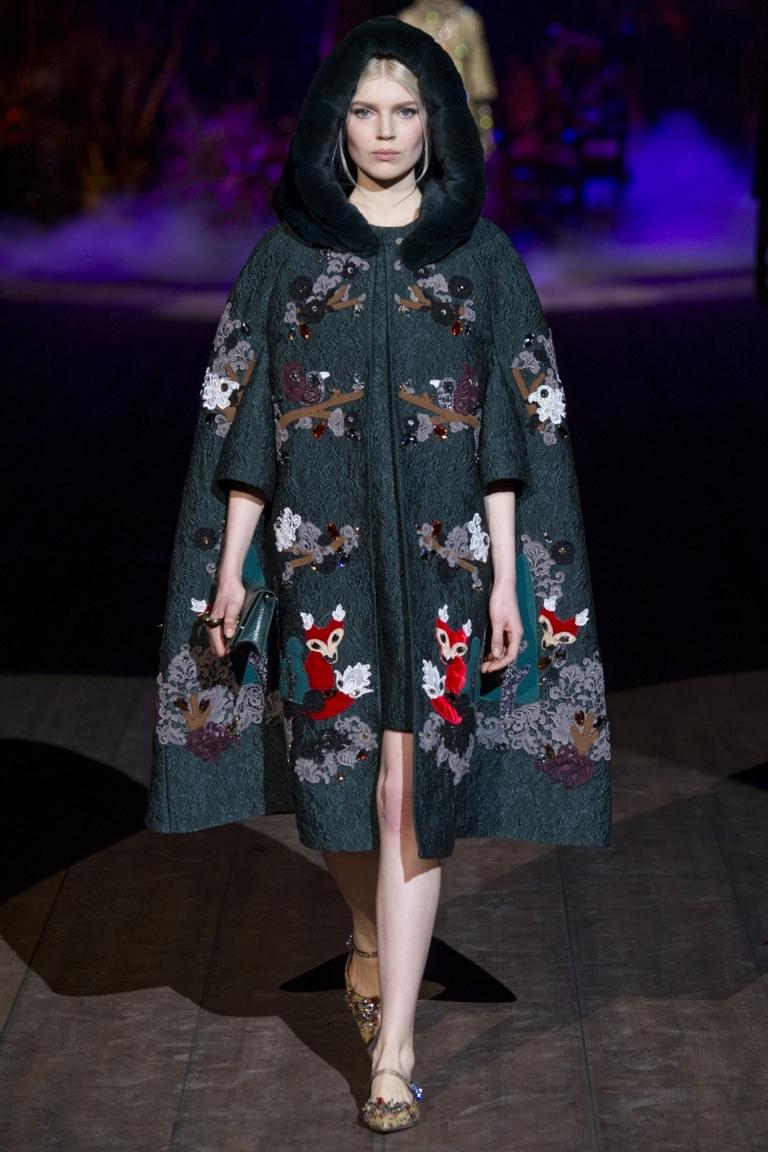 Модное пальто-накидка 2015 — Dolce & Gabbana