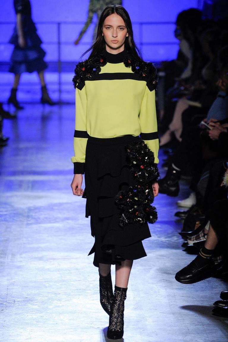 Фото модной юбки 2015 с воланами – Emanuel Ungaro
