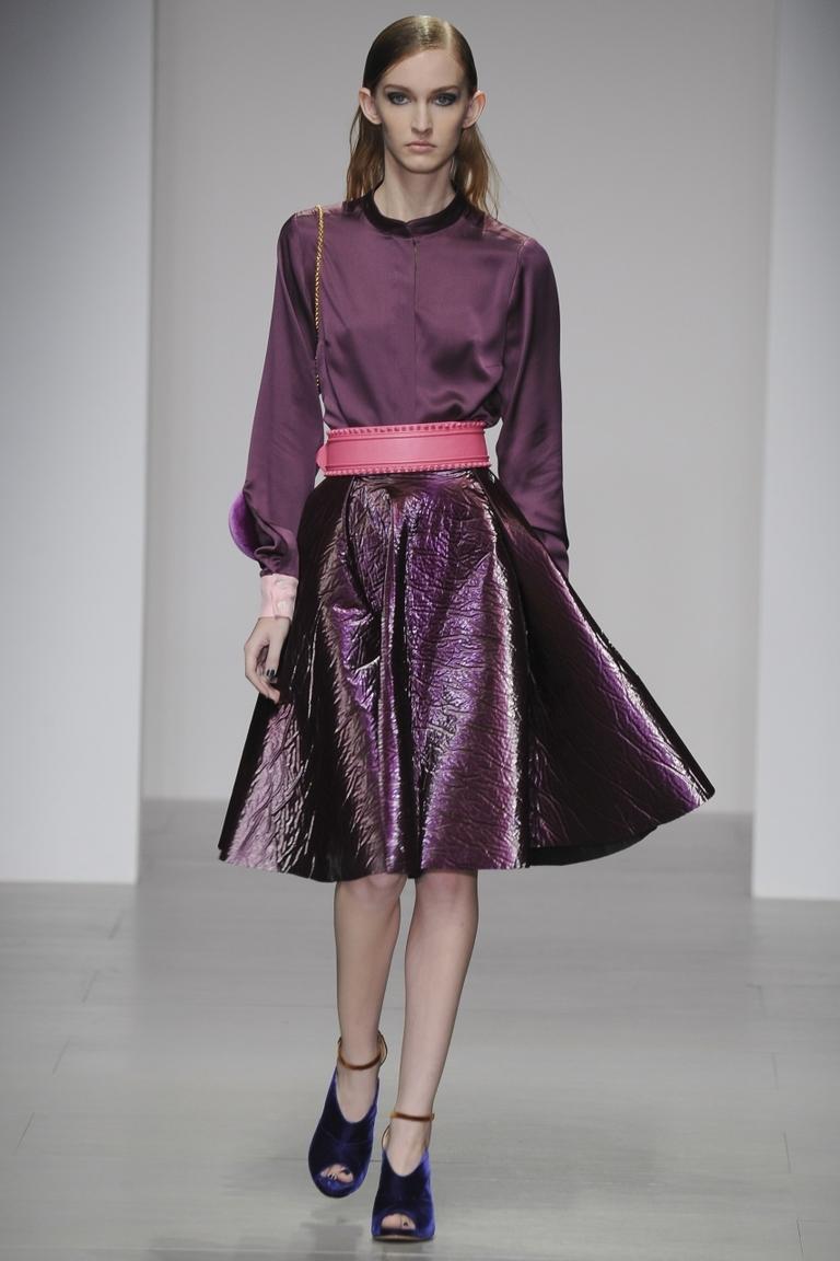 Фото фиолетовой модной юбки 2015 – фото новинка Emilio de la Morena