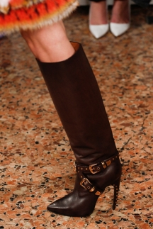 Коричневые модные сапоги осень-зима 2014-2015 – Emilio Pucci