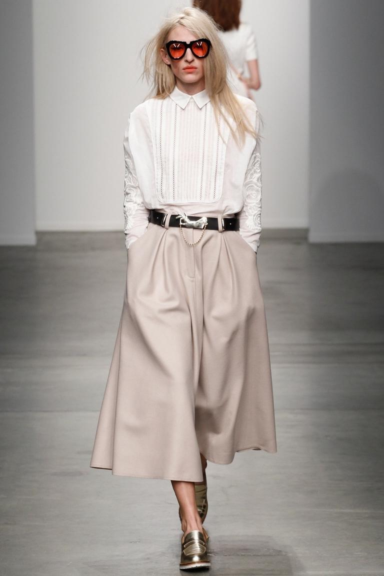 Белая модная рубашка 2015 – фото новинка в коллекции Karen Walker