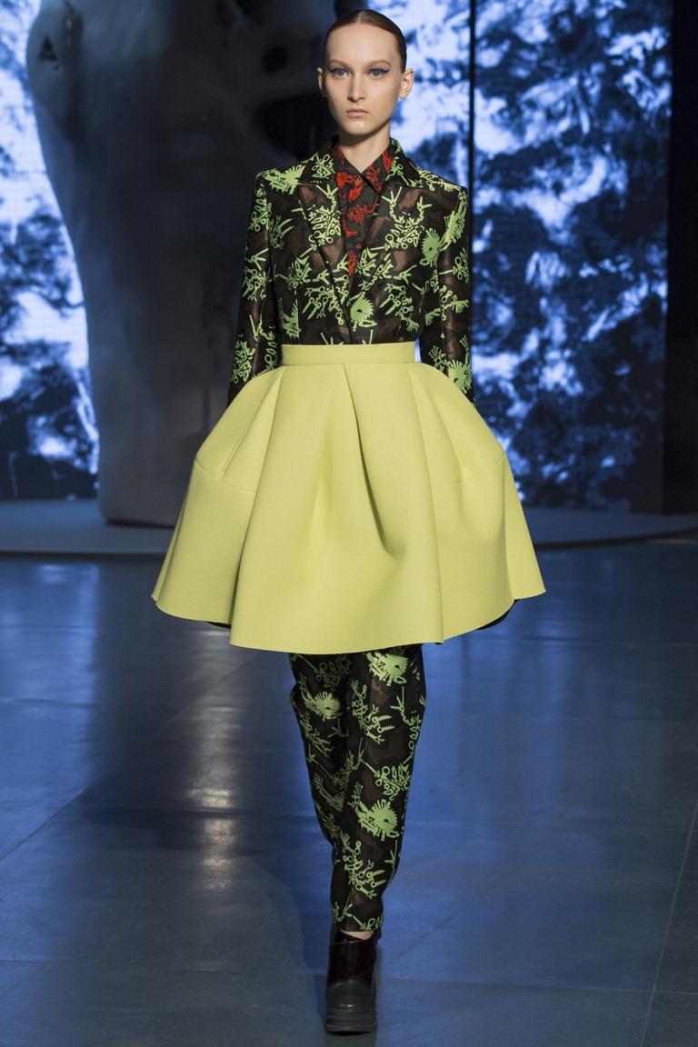 Салатовая модная в 2015 году юбка солнце – фото коллекции Kenzo