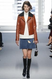 Модная короткая кожаная куртка осень-зима 2014-2015 – Louis Vuitton