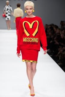 Модные кофты осень-зима 2014-2015 – Moschino