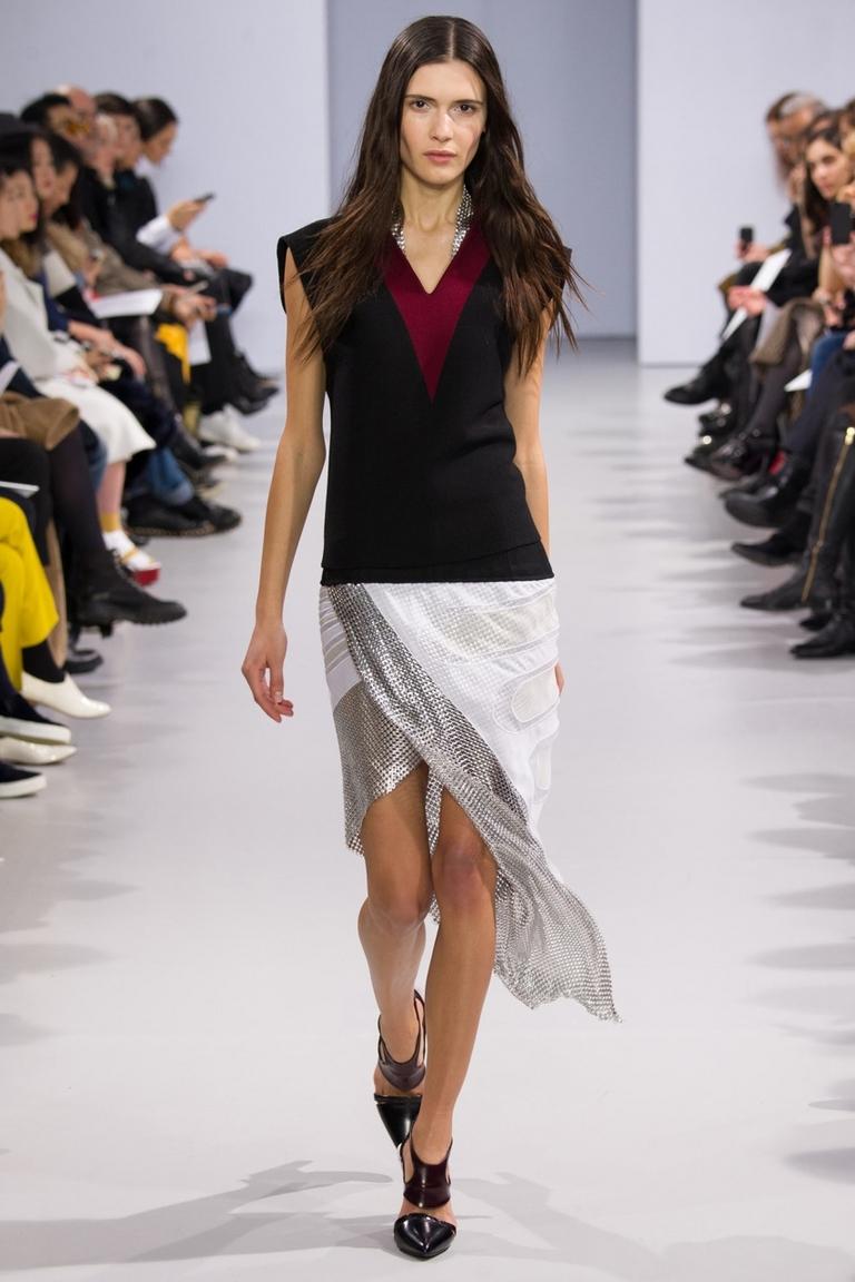 Фото модной юбки 2015 с неровным краем – фото новинка в коллекции Paco Rabanne
