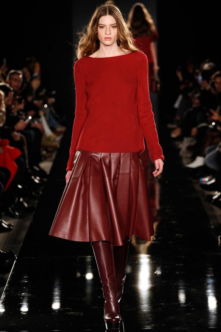 Модная красная кожаная юбка 2015 – фото новинка в коллекции Porsche Design