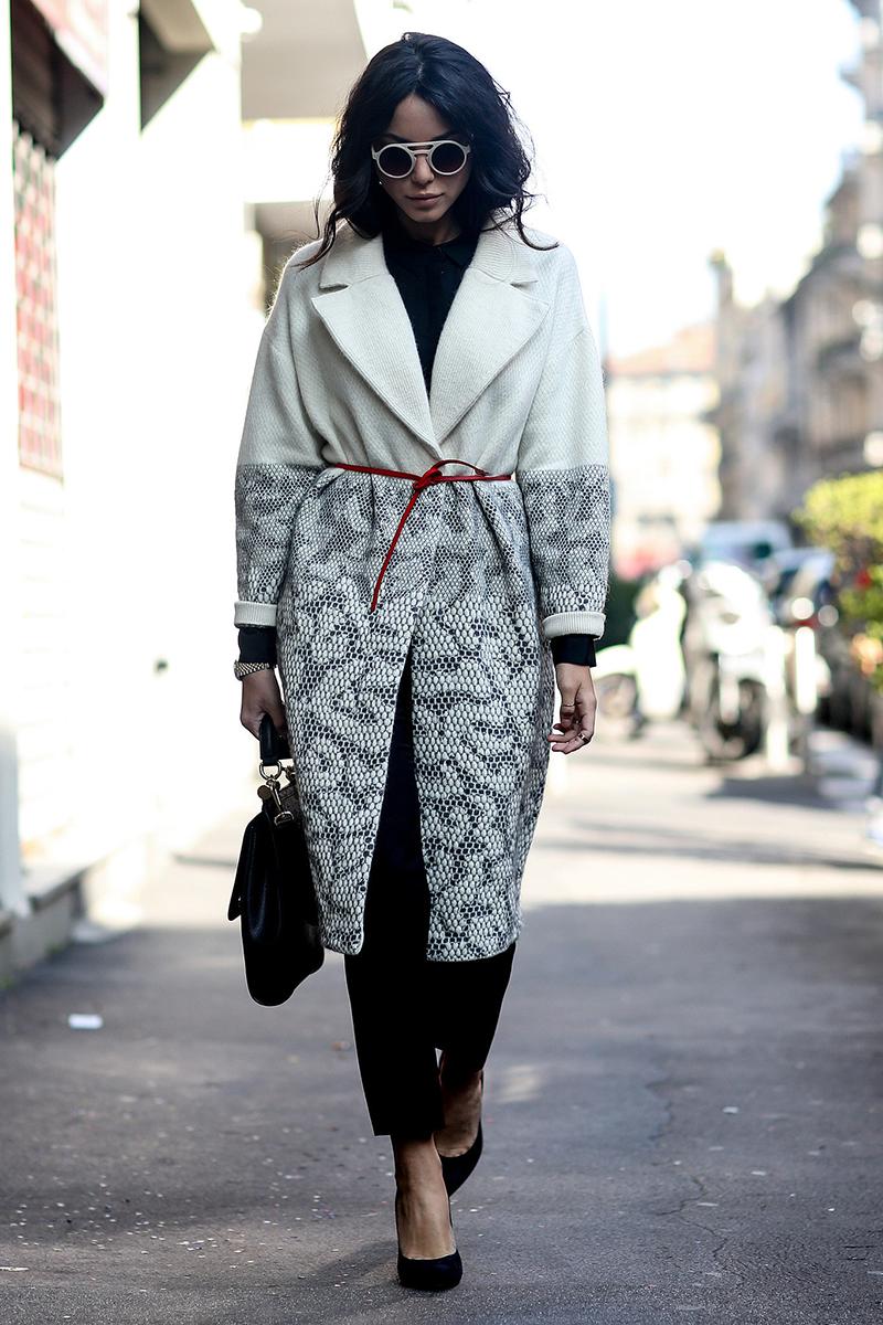 Фото модного пальто с поясом