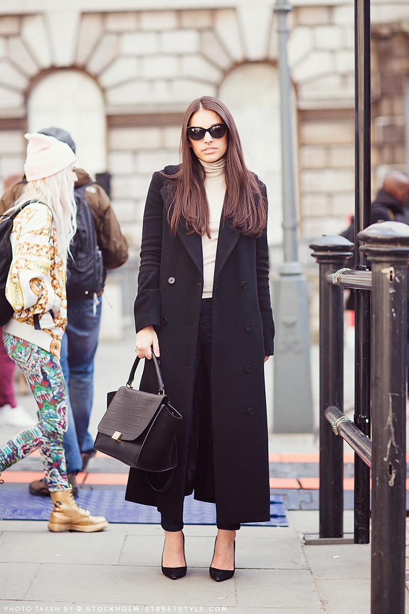 Фото модного длинного пальто