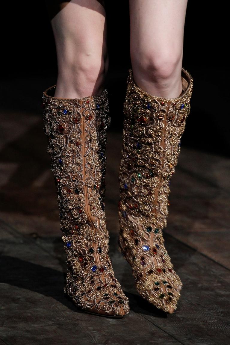 Модные сапоги 2015, расшитые украшениями – Dolce & Gabbana