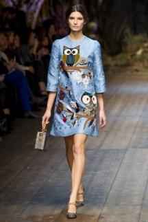 Модное голубое платье осень-зима 2014-2015 – Dolce & Gabbana