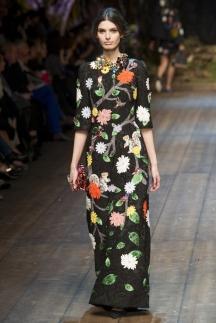 Длинное модное платье с цветочным принтом осень-зима 2014-2015 – Dolce & Gabbana